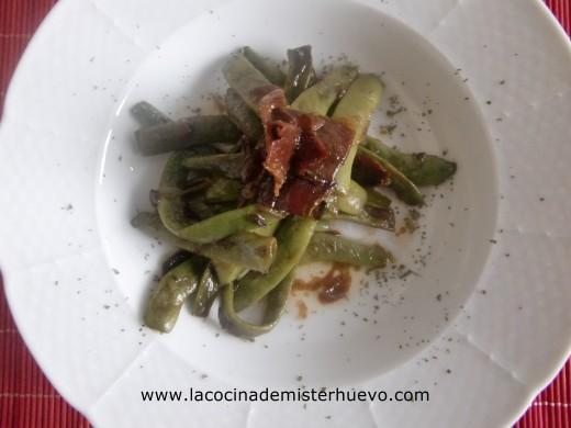 ensalada templada de judias verdes con jamon