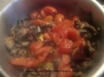 agregar y cocinar los tomates