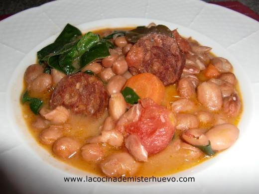 Jud as pintas con chorizo y espinacas la cocina de - Judias con chorizo y patatas ...