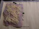 cubrir con lonchas de pavo y queso el hojaldre