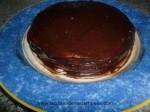 tapar toda la tarta con chocolate