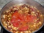 echar tomate pelado al refrito