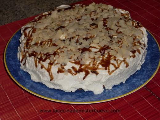 tarta de crema pastelera y nata