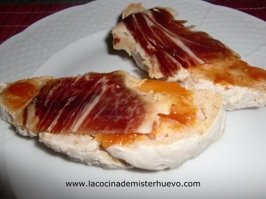 pa amb tomaquet con jamon