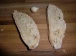 untar el pan con ajo