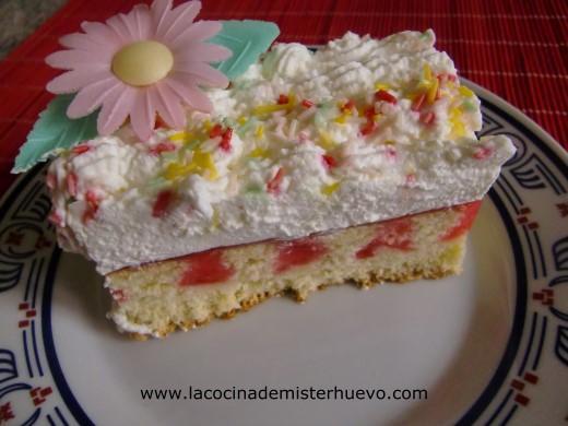 poke cake de frambuesa y nata