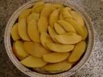 alternar capas de manzana y bollo