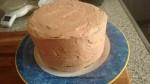 cubrir la tarta con crema de mantequilla de moka